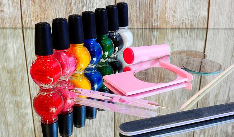 Decorar uñas: Un pasatiempo artístico que te hace ganar dinero.