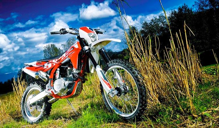 SWM lanza su nueva gama de motocicletas enduro