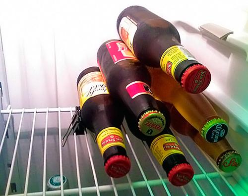 pinza para apilar cervezas